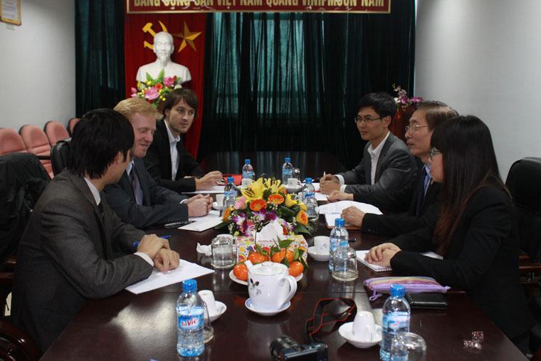 Đại sứ quán Pháp đến thăm và làm việc với Đoàn luật sư thành phố Hà Nội